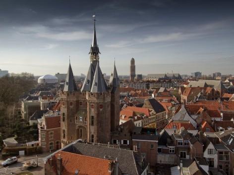 Photo of Banieren verwelkomen bezoekers Zwolse binnenstad