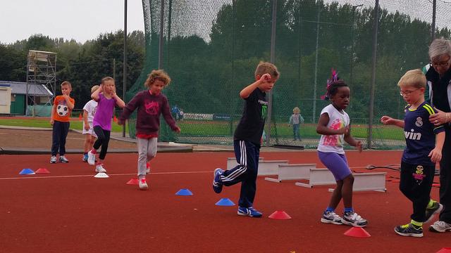 Photo of Kids trainden met veel plezier voor de Partou Kids Run op 18 oktober