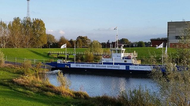 Photo of Nieuwe veerpont bij IJsselcentrale gaat zwaar materieel vervoeren