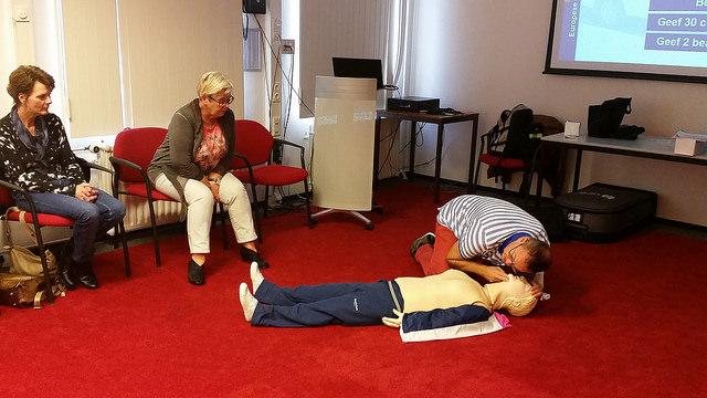 Photo of 490 mensen volgden vandaag een reanimatiecursus in regio IJsselland
