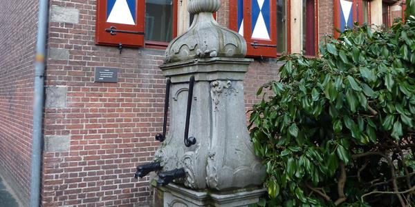 Photo of Renovatie stadspompen Grote Markt, Blijmarkt en Sassenstraat