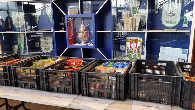 Photo of Meer dan 100 voedselpakketten met PEC Zwolle United