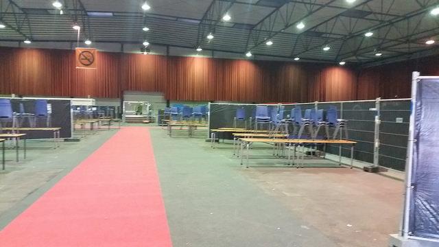 Photo of Noodopvang vluchtelingen IJsselhallen Zwolle uitgebreid