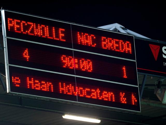 Photo of PEC Zwolle begint 2015 met klinkende zege op NAC Breda