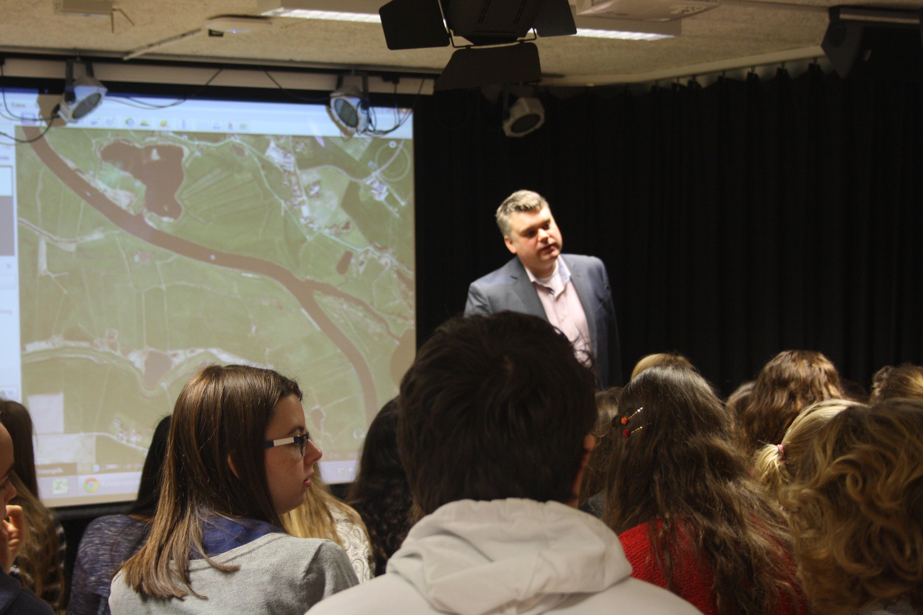 Photo of Meander leerlingen geven advies over rivier De Vecht