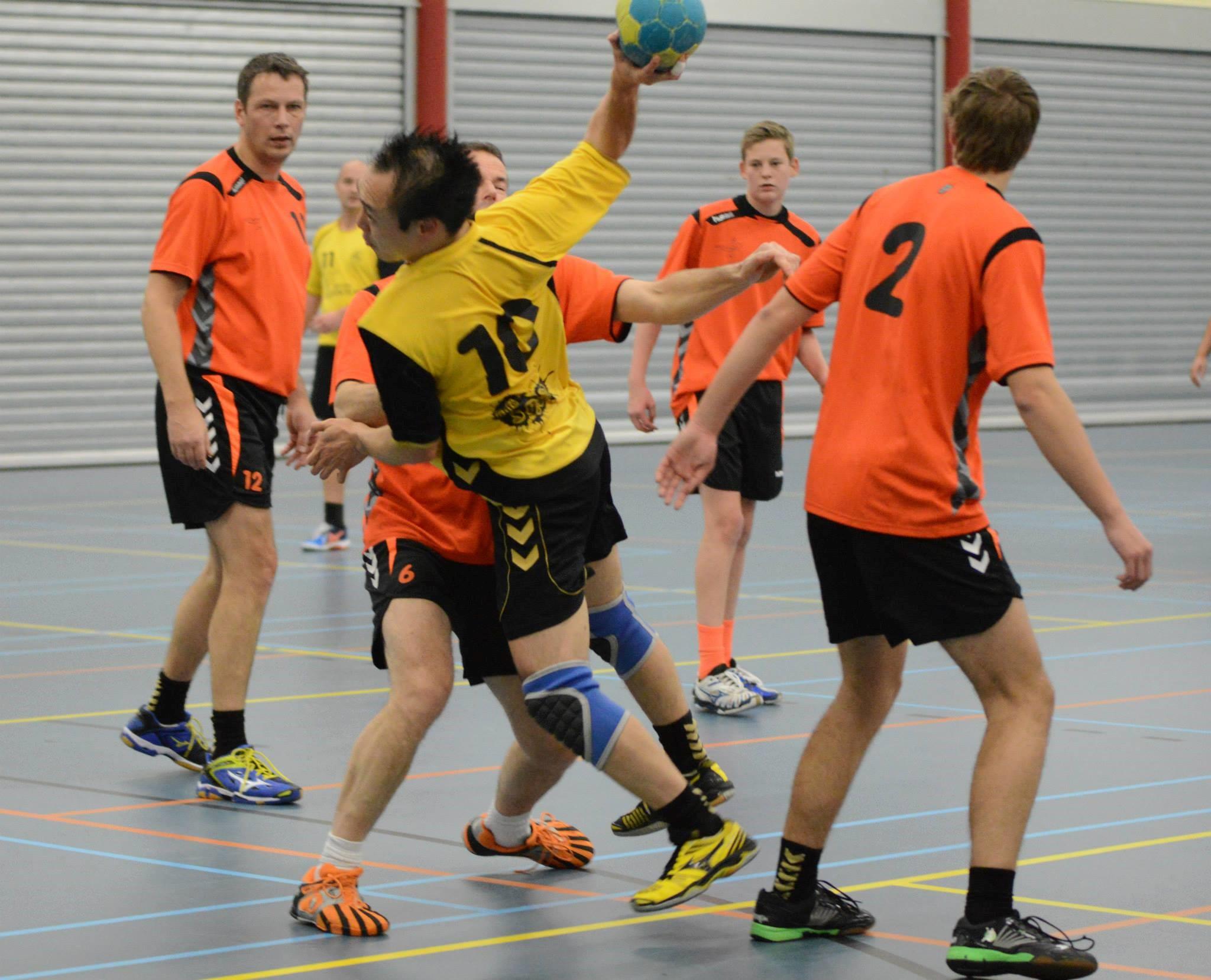 Photo of Zwolse handbalheren pakken weer punt van nog een koploper!