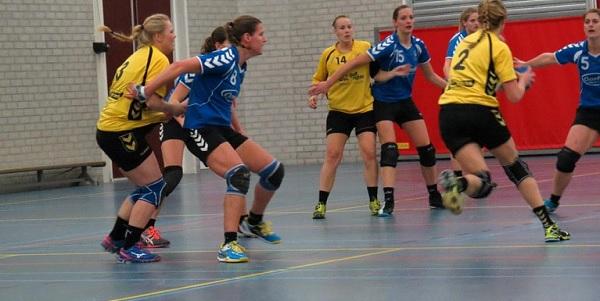Photo of Zinderende wedstrijd Zwolse handbaldames tegen HHZD/Oortwijn Heino