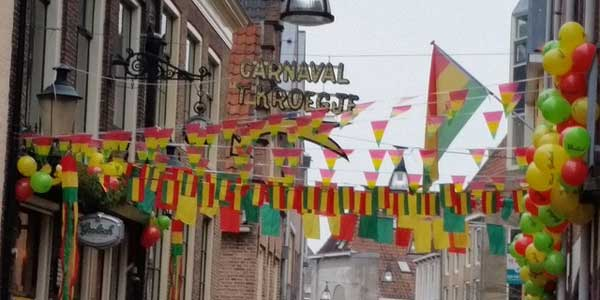 Photo of Sleuteloverdracht Carnaval live via www.zwolle.nl te volgen