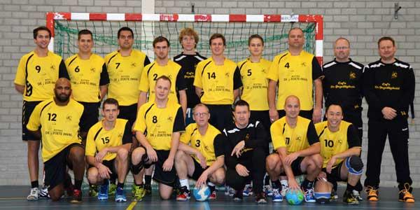 Photo of Heren van SV Zwolle Handbal kwamen valse start te boven, maar maakten niet af