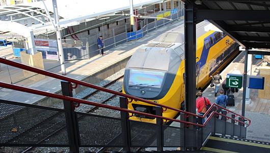 Photo of Sjoemelende NS mag gewoon meebieden op traject Zwolle-Enschede