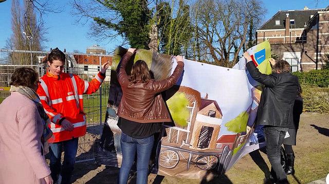 Photo of Banners Cibap studenten fleuren wegwerk Pannekoekendijk op