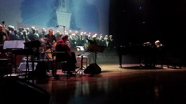 The Second Voices koor - Orkest onder leiding van Erik Raayman