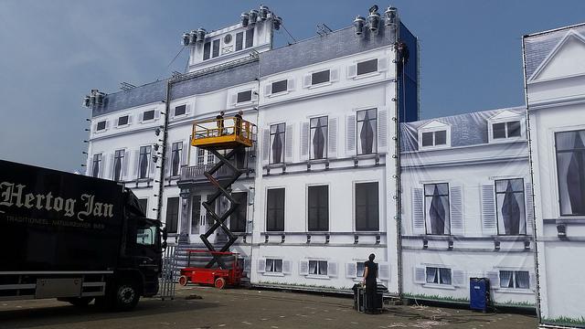 Photo of [VIDEO] Kingdance 2015 – Opbouw Koninklijk Paleis bij IJsselhallen