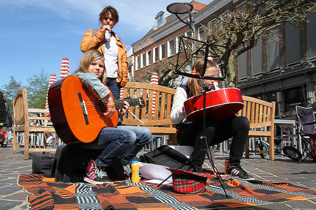 Photo of Jouw favoriete Koningsdag muziek gespeeld door de klokken van De Peperbus