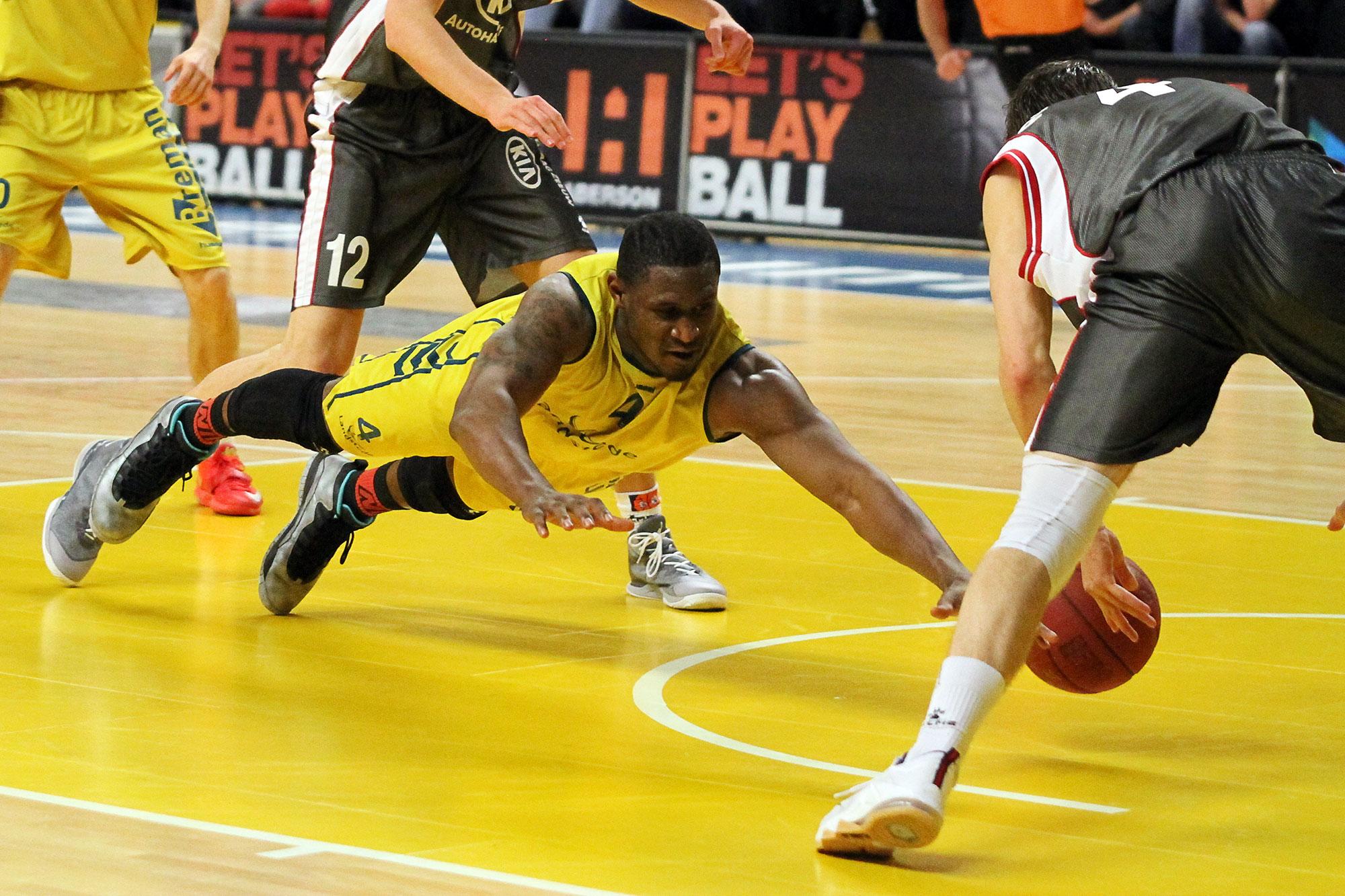 Photo of [FOTO's] Landstede Basketbal wint met gemak van Rotterdam