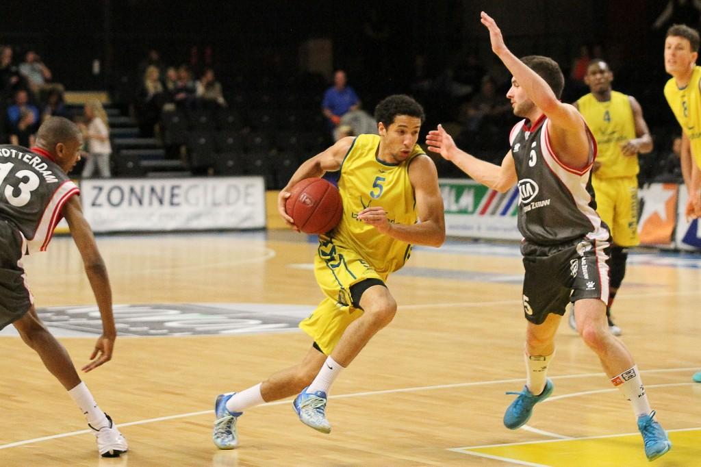 Landstede Basketbal wint van Rotterdam in Playoffs - Foto: Frank van Hienen - www.frankvanhienen-fotografie.nl