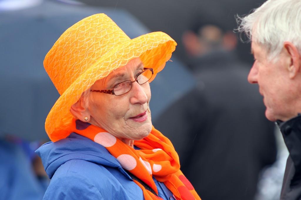 Trouwe fans van het Koninklijk Huis - Foto: © Frank van Hienen - www.frankvanhienen-fotografie.nl