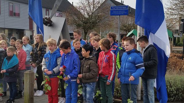 Herdenking aan de Pilotenlaan Zwolle