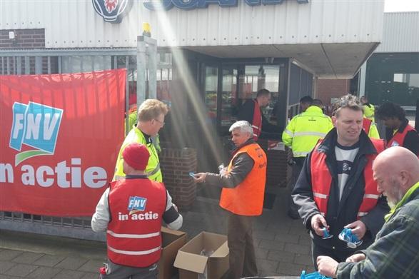 Photo of FNV leden bij Scania zetten druk op onderhandelingen Cao Metalektro