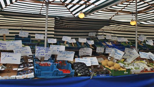 Photo of De Markt in Zwolle wordt mix kramen, horeca en cultuur