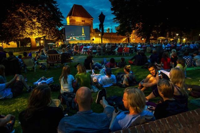 Photo of Films kijken in de openlucht