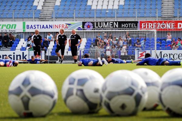 Photo of Ajax-keeper Mickey van der Hart naar PEC Zwolle