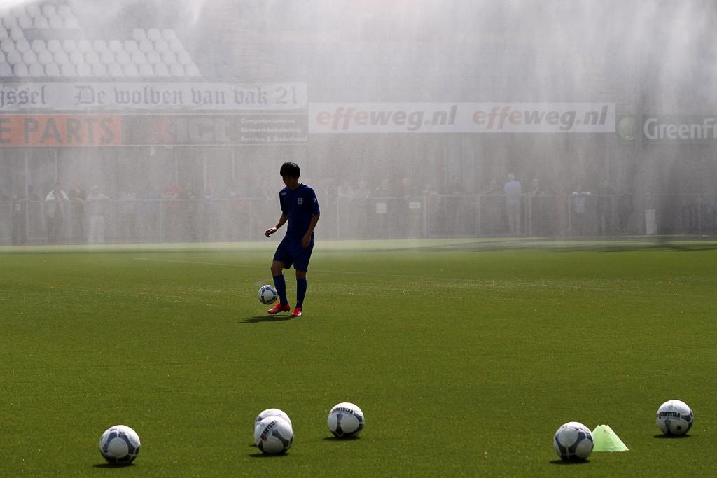 1e training nieuwe seizoen PEC Zwolle - Foto's: ©Frank van Hienen - www.frankvanhienen-fotografie.nl
