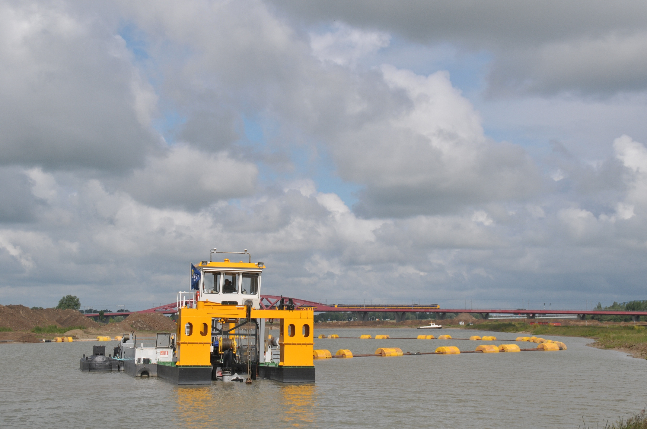 Photo of 'Stofzuigerschip' zuigt 400.000 kuub zand weg bij Zwolle Zuid