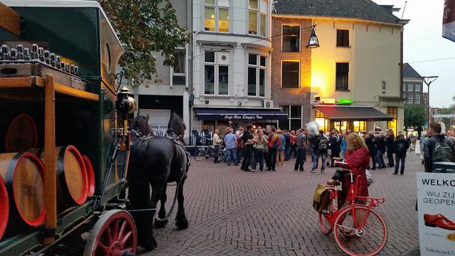 Photo of Bokbier komt morgen per schip aan in Zwolle – Bokbierfestival