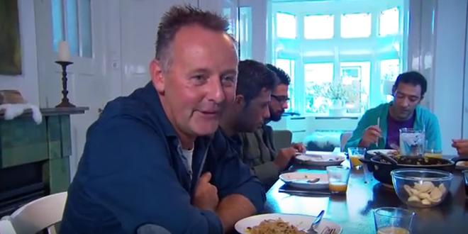 Photo of Gastvrije gastgezinnen gezocht voor keukentafel maaltijd met vluchtelingen