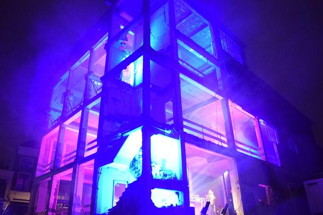 Photo of Neonverlichte Melkmarkt was startschot bouw Primark