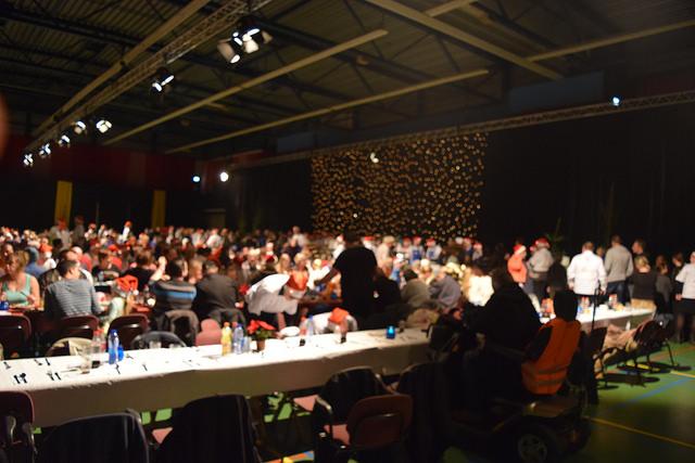 Fotograaf: Joey Bisschop - Kerstdiner minima en daklozen Zwolle 2015 WRZV hallen