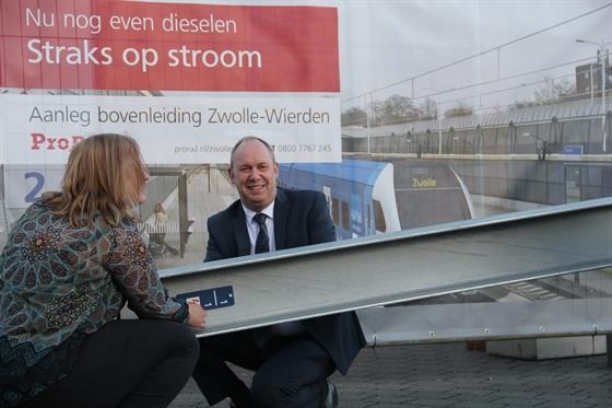 Photo of Eerste mast voor bovenleiding Zwolle-Wierden gereed