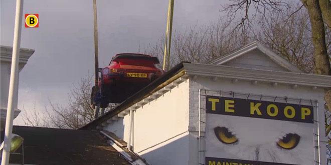 Photo of Dak eraf en Porsche eruit:  op naar nieuwe eigenaar in Zwolle