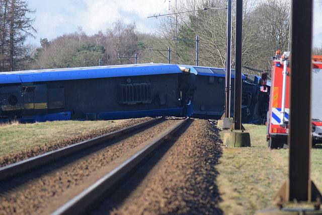 Photo of Berging trein bij Dalfsen gestart – dienstregeling voorlopig met bussen