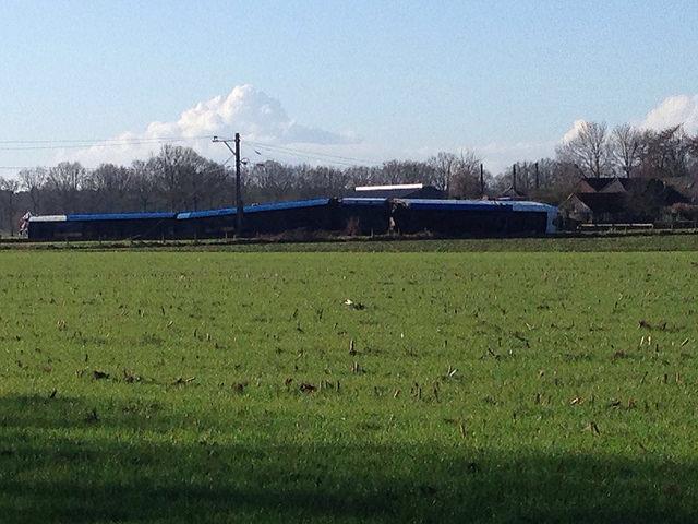 Photo of [UPDATE] Aanrijding trein en hoogwerker tussen Ommen en Dalfsen