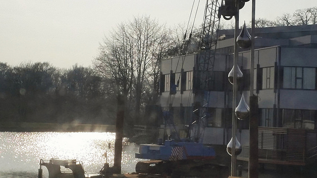 Photo of In vijver Vitens hoofdkantoor Zwolle verrijst 18 meter hoog kunstwerk