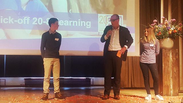 Wethouder Jan Brink van onderwijs bij de Kick Off van het International Business College