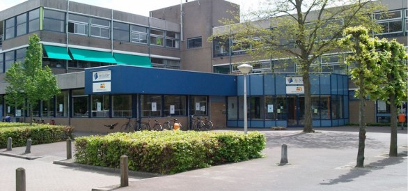 Photo of Ontmoeting Wijkservicepunt Zwolle Noord en wijkwethouder tijdens open dag Aa-landen