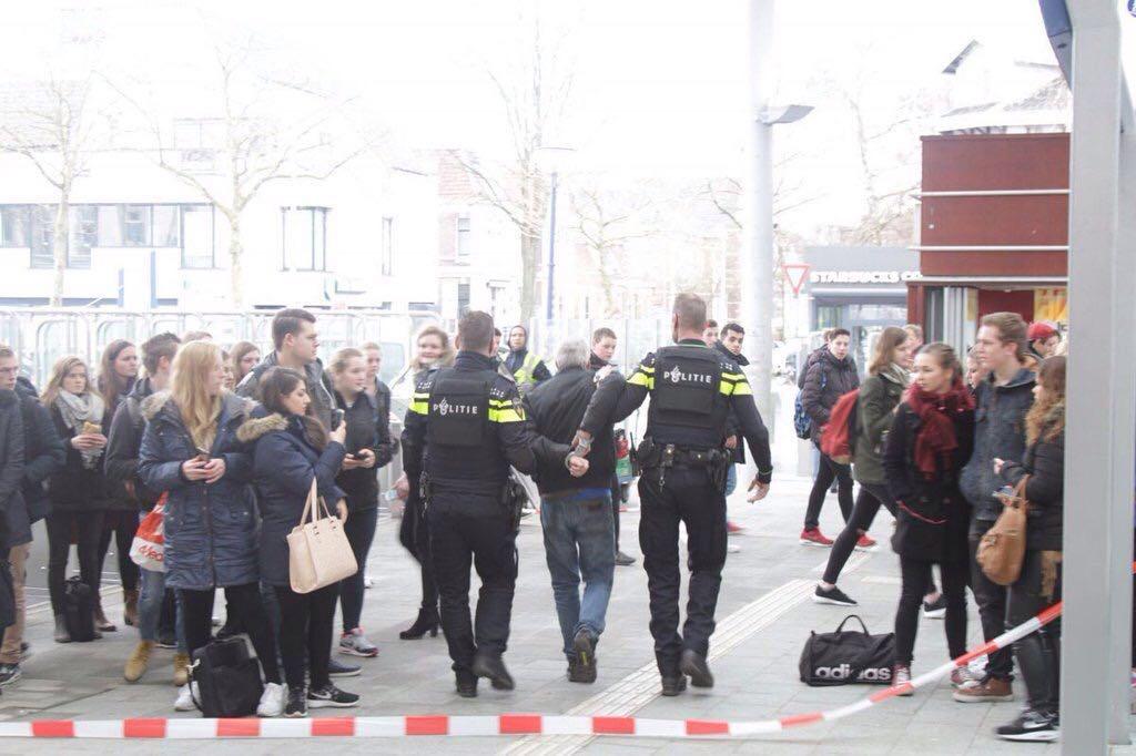 Foto: Joey Bisschop - Man ingerekend op station Zwolle