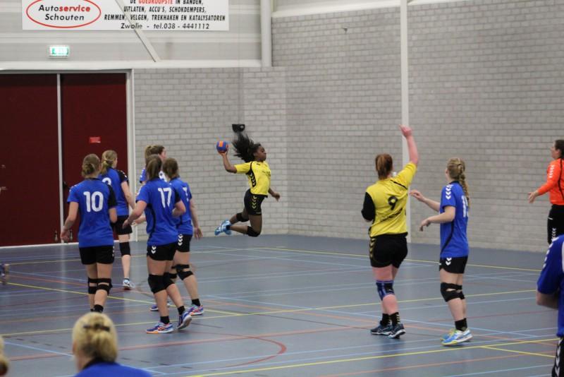 Photo of Handbaldames SV Zwolle winnen thuis van Heino