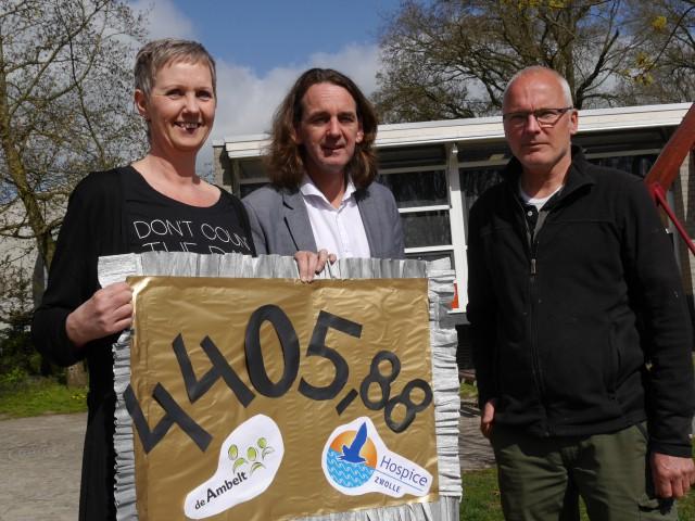 Photo of Leerlingen Ambelt lopen voor Hospice Zwolle