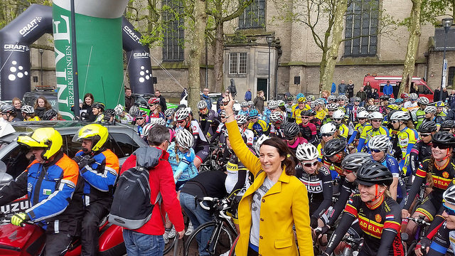 Voormalig profwielrenster Marijn de Vries mag vandaag het startschot geven. Van 2010 tot en met 2012 reed De Vries voor de opleidingsploeg Leontien.nl van Leontien van Moorsel