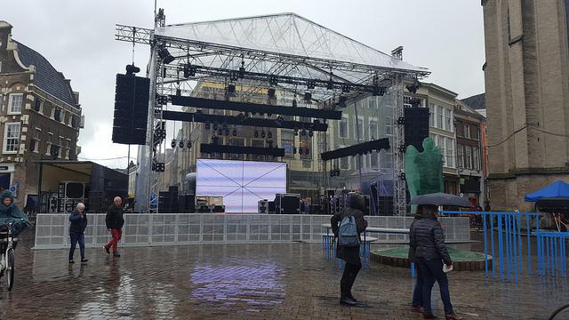 Photo of [VIDEO] Koningsdag;  Zwolle druk met de opbouw van alle locaties