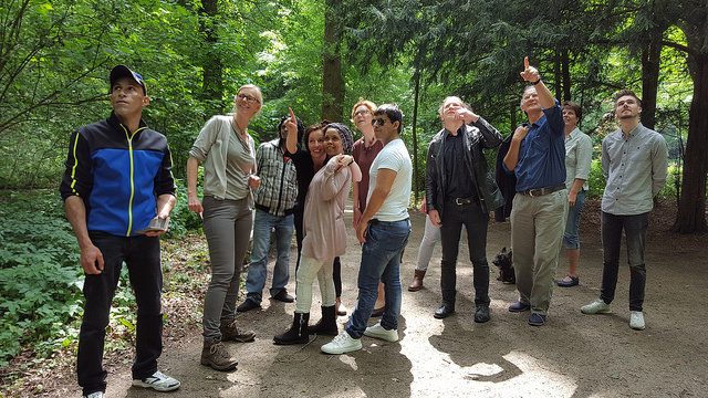 Photo of Vluchtelingen krijgen les over de natuur in het Engelse Werk