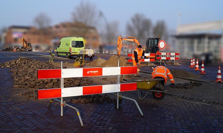 Photo of Groot wegonderhoud Mastenbroekerallee en rotonde Werkerlaan