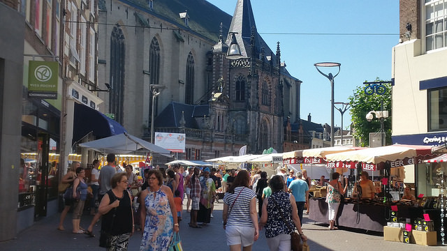 Photo of Warenmarkt Zwolle 2 weken lang op Gasthuisplein, Oude Vismarkt en omgeving