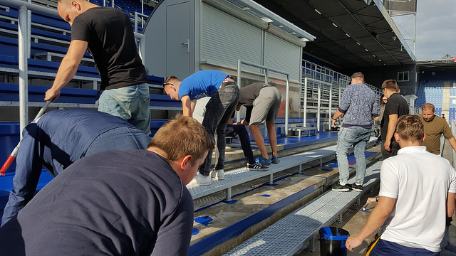 Photo of Rico, Sticks en Typhoon bij officiële opening Marten Eibrink tribune