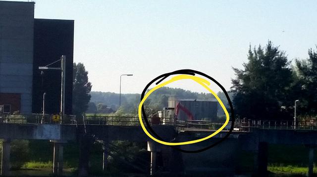 Photo of Eerste graafmachines voor sloop IJsselcentrale; omwonenden in vier bijeenkomsten geinformeerd