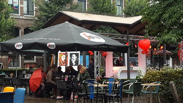 Photo of Nieuwe Markt werd voor even een echt Parijs pleintje